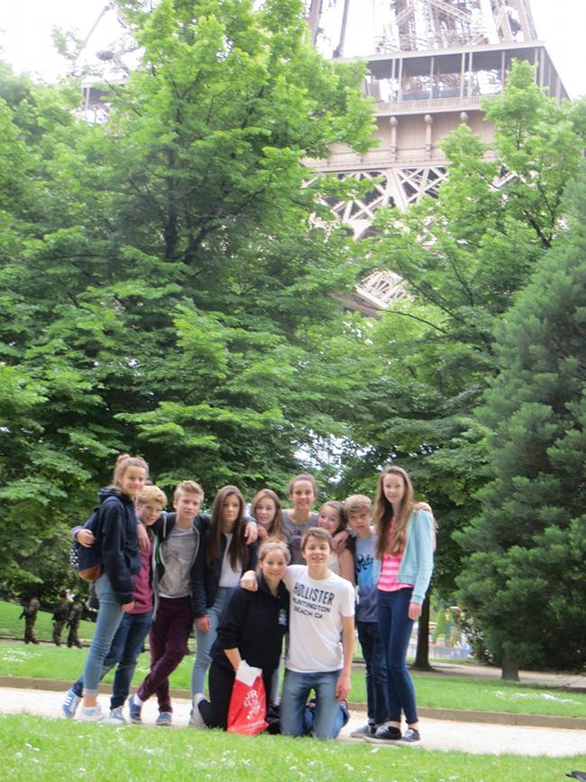 Lads en tour à la Tour Eiffel.